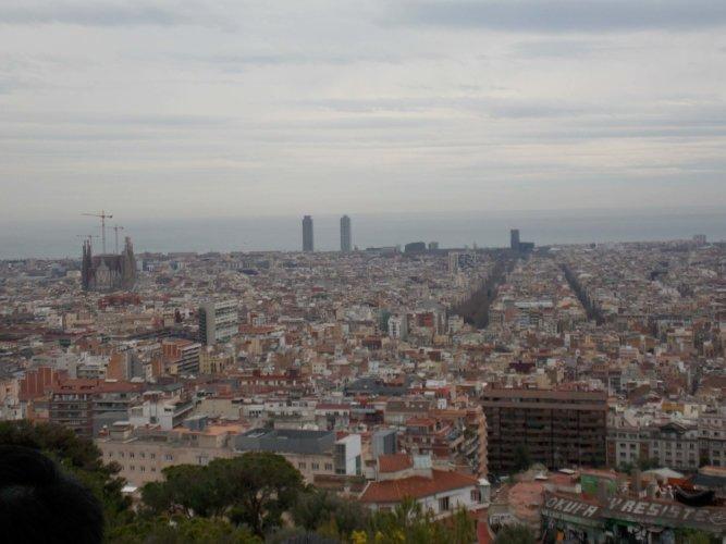 Blick vom Park Guel über Barcelona