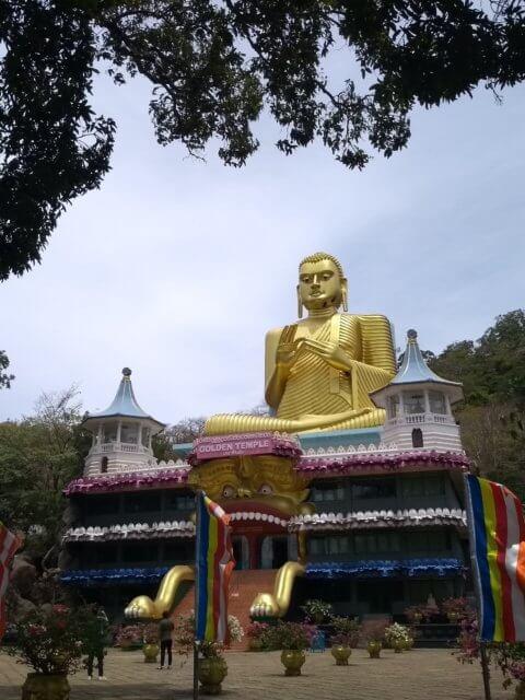 Gold Buddha bei Dambulla