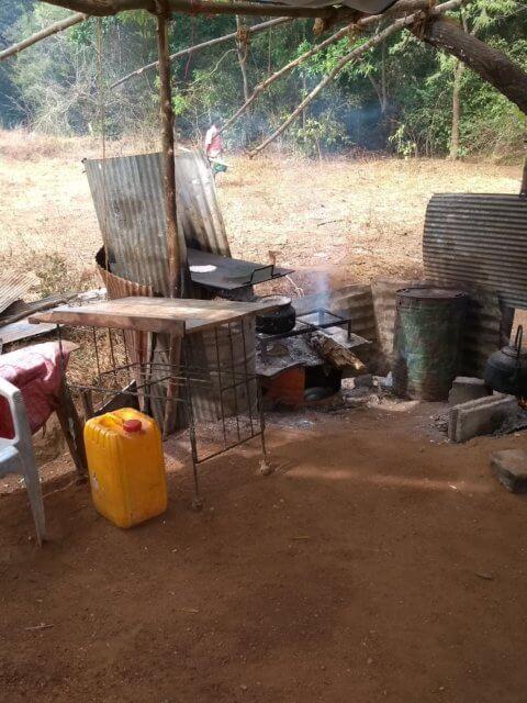 Kochen bei einem Stand in Sigiriya