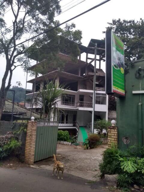 Besucherzahlen schlecht? Bauen wann anders weiter. Kandy